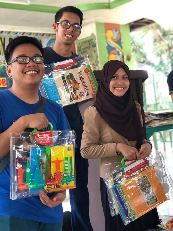 3  Philippines 2 Alum And Volunteers