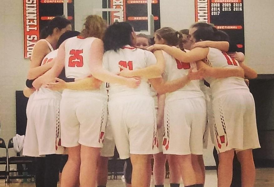 Hanan Basketball Group Huddle 2