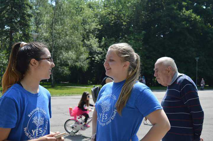 Nazmie And Elitsa Righht Before The 5K Charity Run 1