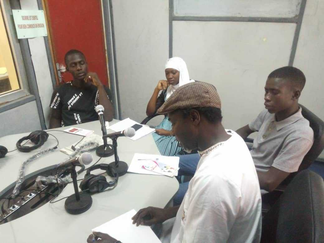 Senegal Fatick Yes 14 Alumni Abasse Bassene And Soda Tall Ndiaye At The Radio Show About Breast Cancer With Members Of The Access Club Of Fatick