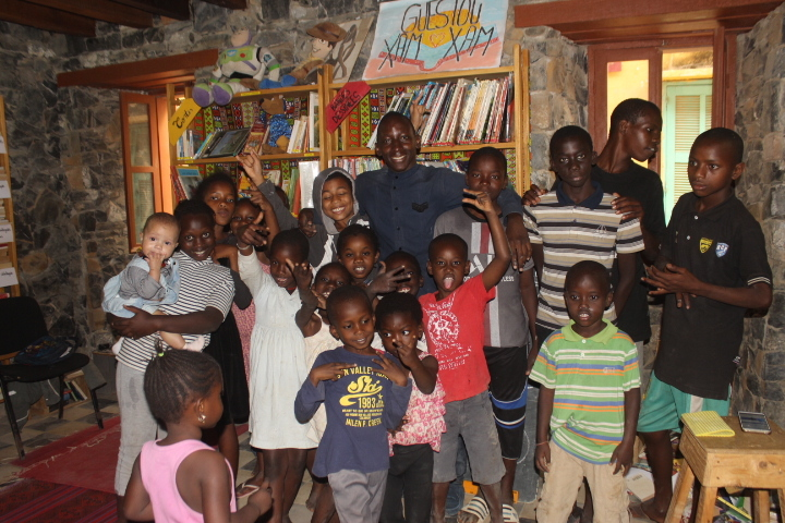 Senegal Goree The Ac Papa Abdoulaye Diop In A Group Picture His English Class Students At Goree