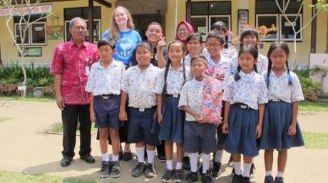 Group Elementary School And Ya