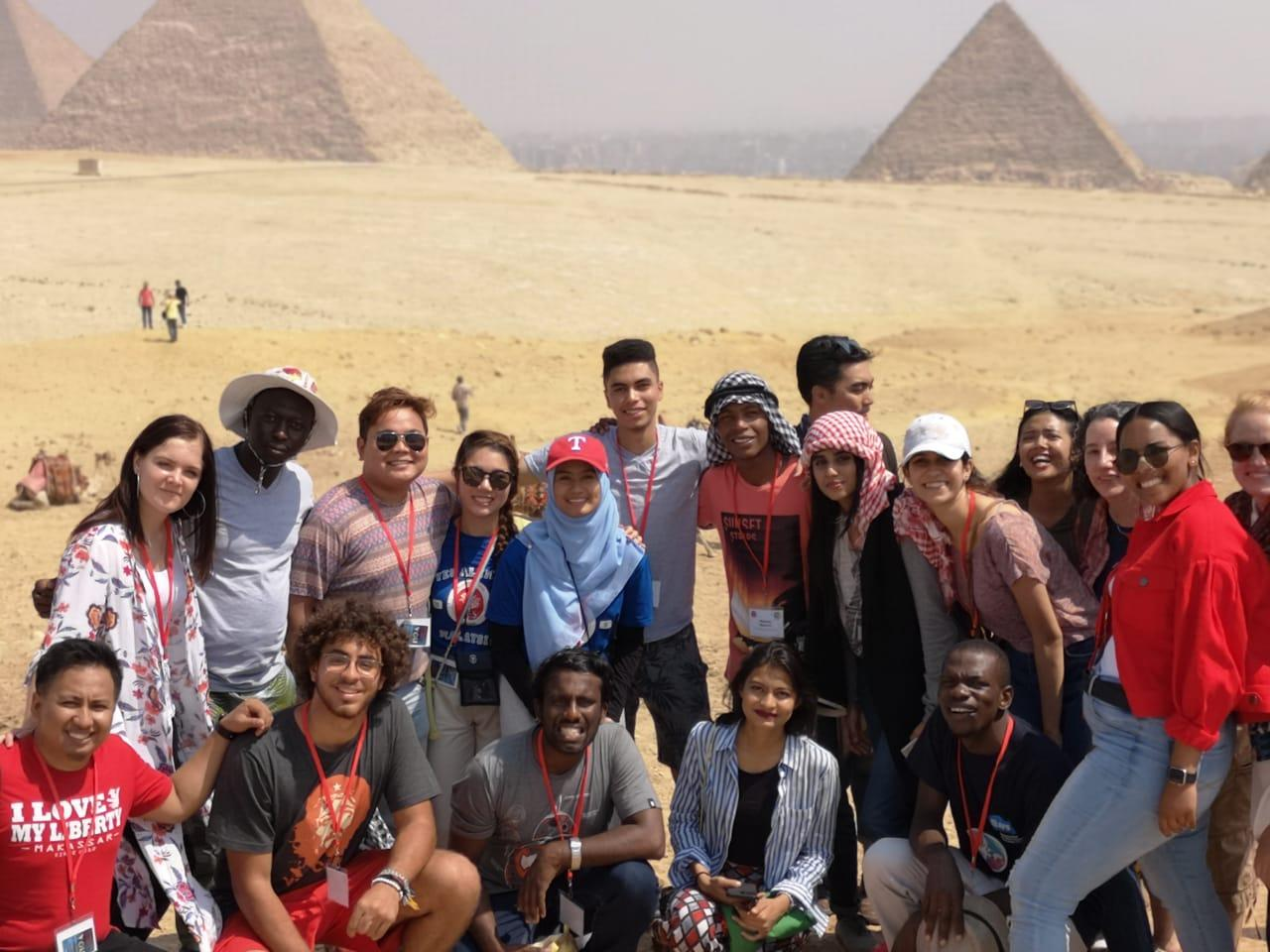Moniques Pic Group Pyramids